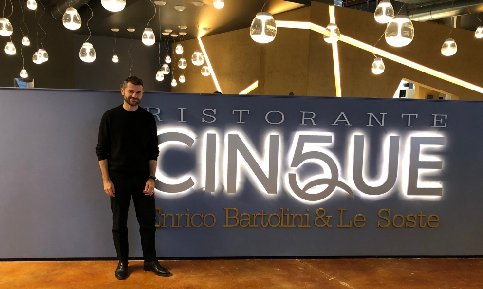 Enrico Bartoliniin front of his new restaurant Cinque(it is the fifth in Italy) inside Fico Eataly Worldin Bologna. The chef announces that he's soon to open two bistros in Milan too. Plus...