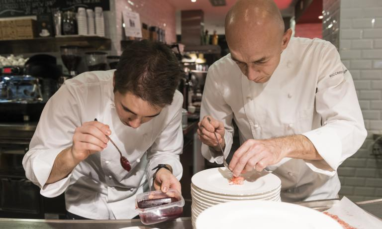 Camanini at work with Roman Andrea Capasso. Helping the chef at Lido 84 there's also Gilles Fornoni from Bergamoand Martina Sguerso from Savona: the people in his team are all young and very promising