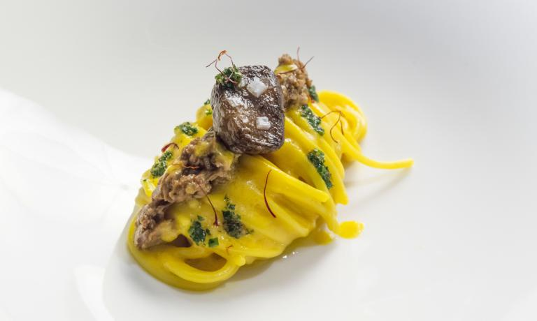 The special Spaghetto Milano by Andrea Ribaldone: Paolo Marchi asked the chef, who for six months will be in charge of the restaurant inside Identit� Golose�s space at the World Fair, to give a tribute to the town that as of 1st May will host Expo 2015 (photo credits Giorgio Annone)