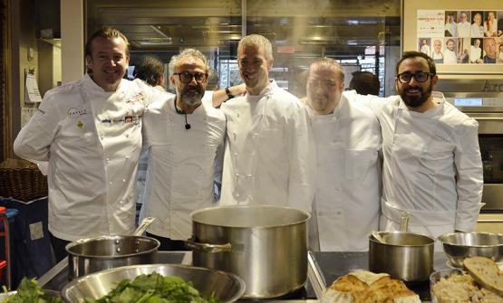 Left to right, Michael White, of Marea in New York and Massimo Bottura of Osteria Francescana in Modena, the authors of a splendid lecture on bread at Eataly New York (to their left, Michael White's two assistants and Davide Di Fabio – the right arm of the Modenese chef). And tonight, everyone's dining in the Birreria