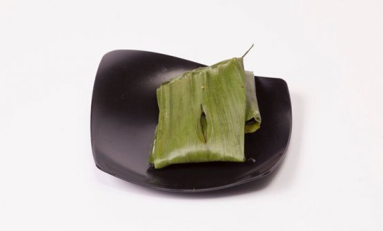 Gaggan presented Paturi with cedar wood. It's sea bass marinated in coriander seeds, Bengali mustard oil, green chilli peppers, lime, garlic, cashew nuts and salt, wrapped in banana leaves and cooked/smoked in cedar wood