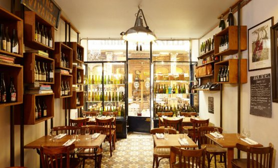 Racines, the latest Parisian adventure of Simone Tondo, at number 8 in Passage des Panoramas, tel. +33.(0)1.40130641