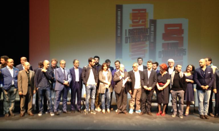 A group photo with the big ones from l'Espresso�s guide I Ristoranti d'Italia 2015. In the middle, director Enzo Vizzari