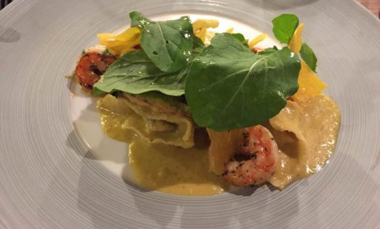 Crab and prawn ravioli with coconut sauce (photo fromfacebook)