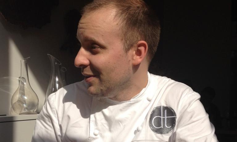 French chef David Toutain, since December 2014 the chef of the homonymous restaurant at 29, Rue Surcouf, Parigi, +33.(0)1.45501110. According to the eighth edition of Identit� Golose's Guida ai ristoranti di Italia, Europa e Mondo, out next November, he's the Best Foreign Chef. He follows Pascal Barbot (2008), Ren� Redzepi (2009), Josean Alija (2010), Inaki Aizpitarte (2011), Giovanni Passerini (2011), Daniel Humm (2012) and Kobe Desramaults (2013)