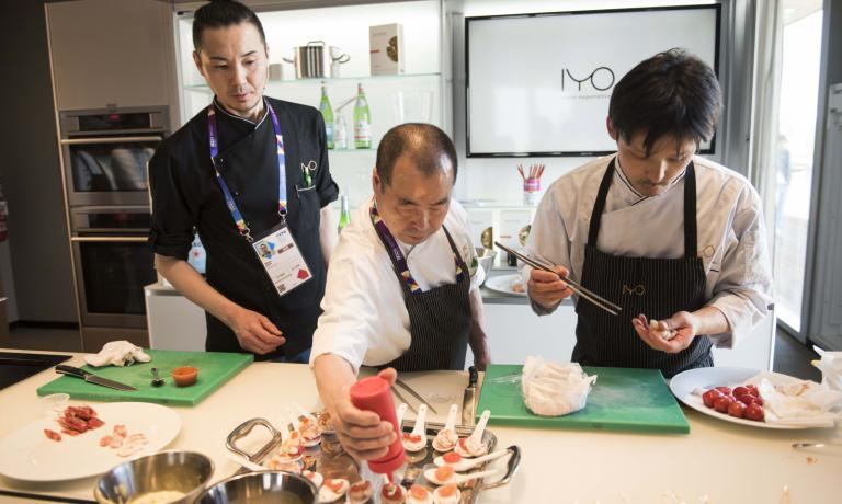 In the middle, master Haruo Ichikawa surrounded by his main collaborators, Masaki Okada e Hiroshi Noda. The chef from Iyo, starred restaurant in Via Piero della Francesca 74, in Milan (tel: +39.02.45476898), was the protagonist of the lesson, yesterday in the afternoon at Identit� Expo. He will be back in the same kitchen for the fourhanded lunch on Sunday 7th June with Moreno Cedroni (five courses paired with wines for 90 euros. For reservations expo@magentabureau.it or +39 02 62012701)