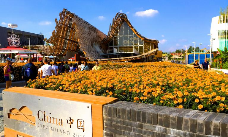 The Chinese Pavilion at Expo 2015 is the largest, after the German one. It aims at presenting a country that in balance between past and future, tradition and modernity