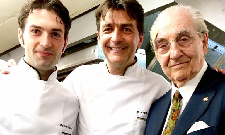 In 2014 Martino Ruggieri, from Martina Franca (Taranto), born in 1986, became part of the staff at the Pavillon Ledoyen in Paris (3 Michelin stars) after a long significant experience (among others, Villa Fiordaliso with Riccardo Camanini, La Pergola with Heinz Beck, l'Atelier with Joë Robuchon in Paris). He later became chef adjoint next to Yannick Alléno (in the photo, left to right, Ruggieri, Alléno and Gualtiero)