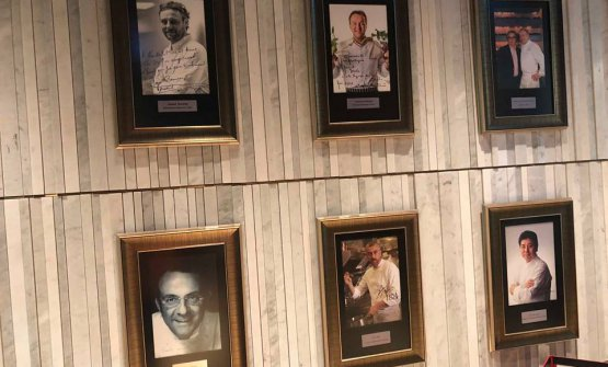 At the entrance, the hall of fame with the chefs who cooked at restaurant La Scala
