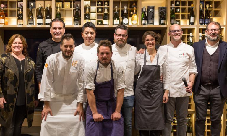 In the photo, left to right, Michela Ferro of Ferrowine, Italo Bassi, Andrea Valentinetti of d&g patisserie, the other chefs Niimori, Brutto, Boer, Esteve Ruiz, Lovatel and Giovanni Ferro of Ferrowine