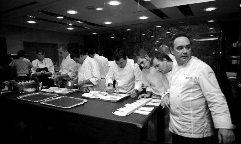 According to a Catalan website, there are some 150 bullinians around the world, that is to say starred chefs who trained in Ferran Adrià's iconic restaurant. This is a low estimate, there are even more. Here are some of the Italians. Loretta Fanella, Stefano Baiocco, Moreno Cedroni, Terry Giacomello and Luca Lacalamita told us...