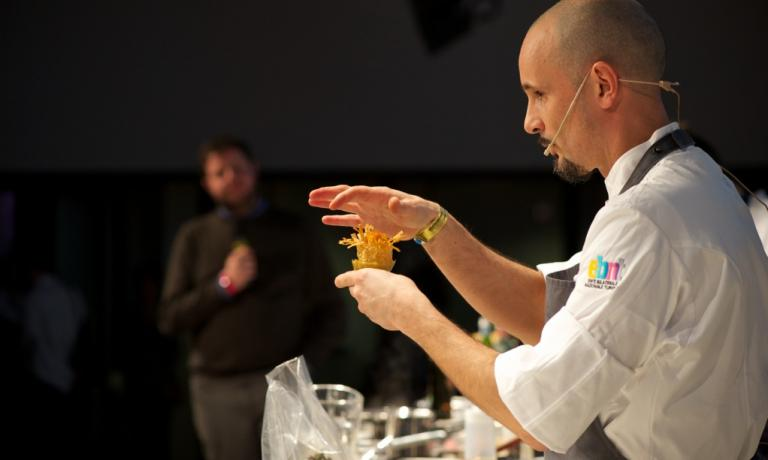 Chef Enrico Crippa during his lecture at Identità Milano 2014. Marchi praises his modernity («He makes you eat lots of vegetables without making you feel like a cow»). He will also be among the protagonists of Stelle di Stelle in London (photo credits Brambilla-Serrani)