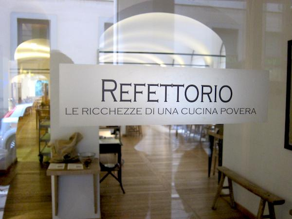 The entrance to the restaurant Refettorio Simplicitas at number 2 in via dell'Orso in Milan, tel.+39.02.89096664, an oasis of goodness halfway between the Accademia di Brera and Teatro alla Scala