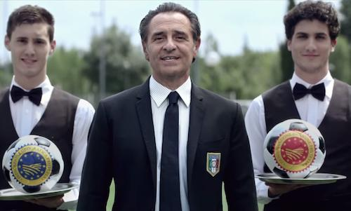 Cesare Prandelli in a fragment from the Io Mangio italiano spot, which was recorded with the objective of supporting Italian food. The head coach of the national team painstakingly takes care of the diet of the 23 footballers summoned in Brazil. Will this work? The first answer is expected on the night between Saturday and Sunday, during the debut against England (The interview was published in issue number 4 of Swedish magazine Fool, www.fool.se)
