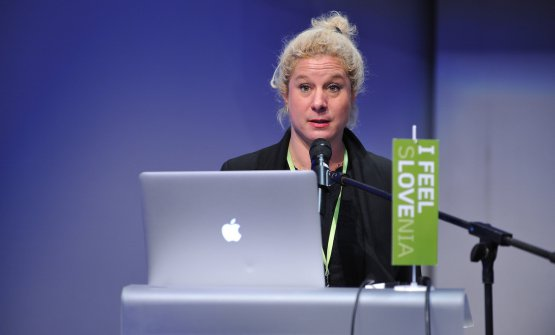 Ana Ros on the stage of the event that launched the conferences within the Gourmet Cup in Ljubljana. Photo DDselection