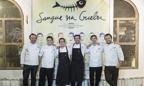 The ritual photograph of the sous chefs who participated in the Portuguese festival celebrating fish: Leonardo Pereira of Noma, Nacho Baucells and Hernan Luchetti of Celler de Can Roca, Sven Wassmer of Focus and Alessandro Negrini (he, instead, is executive chef) of Il Luogo di Aimo e Nadia