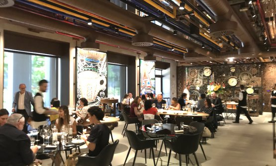 The dining room at Condividere, the restaurant created by Lavazza in their new headquarters in Torino