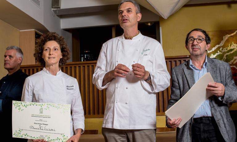 Pietro Leemann between Gabriele Eschenazi and Daniela Cicioni, vegan and raw diet chef. Leemann will be one of the protagonists of the debate with Davide Oldani and Marc Moriarty, on Tuesday afternoon at Identità Expo S.Pellegrino