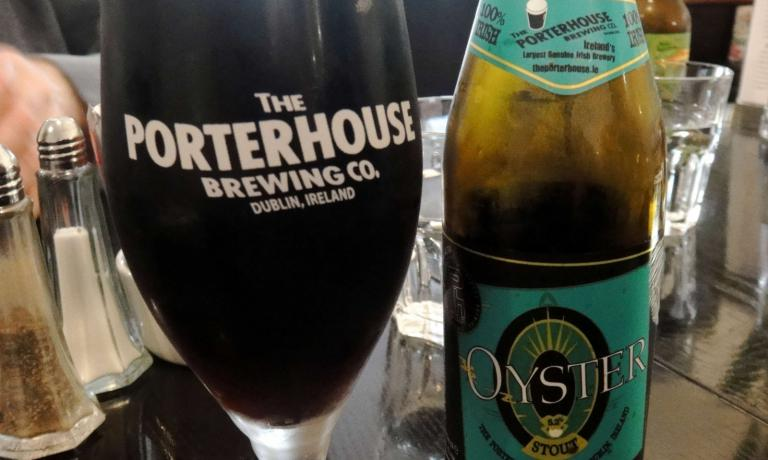 The Oyster Stout produced at Porterhouse (the pub, opened in the centre of Dublin is in 16-18 Parliament Street, tel. +353.1.6798847) is one of the most loved in town. Still, the idea of using oysters to produce stout is no news. You can find many others in the US, France and even in Italy, with Perle ai porci produced by Birrificio del Borgo