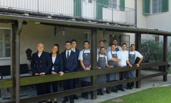 The staff at Locanda del Pilone. Left to right Sofia Brunelli (the soul and director of the dining room), Francesca Negusanti, Marco Loddo (sommelier), Davide Saglietti, Davide Picollo, Francesco Demartino, Matteo Zanin, Luca Bendinelli (sous chef), Umberto Rizzi, chef Federico Gallo, Mattia Melchionna