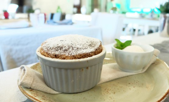 Orange and litchi soufflé with litchisorbet (photos by Tanio Liotta)