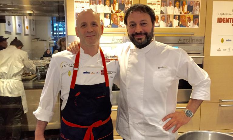 Marc Vetri, an Italian-American chef who's very popular in Philadelphia with Vetri Ristorante and other establishments and Ugo Alciati of Guido in Serralunga d'Alba (Cuneo), the authors, yesterday, of a lecture on milk at Eataly New York. Tomorrow, the last two lessons with Davide Scabin and Fortunato Nicotra (with a focus on pasta) and Vito Mollica and Rita Sodi (beans)