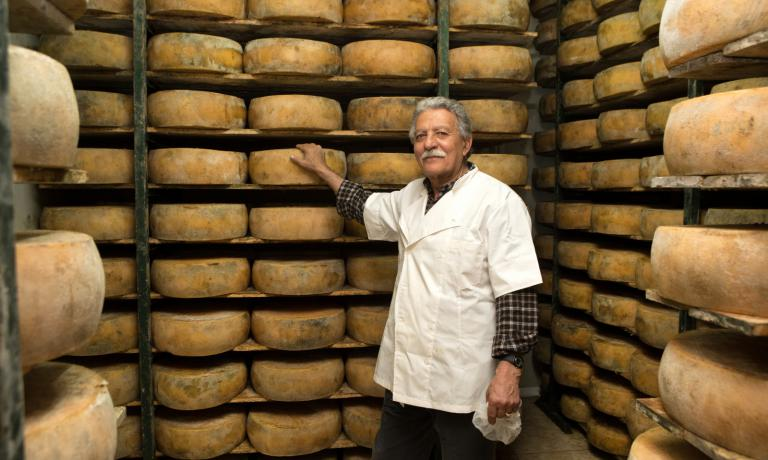 Cheese producer Nikos Gasparakis, from the village of Koummoi, not far from Rethymno, in Crete, is one of the winners of the Quality Awards 2016, a sort of Greek �Academy Award of good food organised by magazine Gastronomos, the monthly insert included in Kathimerini, one of the country�s main newspapers. We present each one of the winners and their excellent products in the photo gallery. We took the opportunity to have a new food tour of Athens