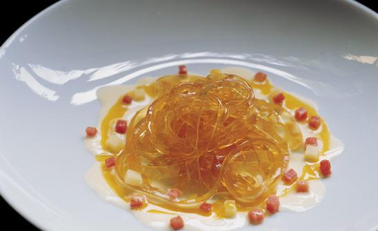 Consommé tagliatelli a la carbonara, dish number 567 in the elBulli catalogue: Oldani recalls it from back in 1999