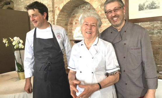 Souvenir photo, and lots of cheering for the people who designed the lunch in honour ofFerran Adriàon Sunday 10th June. Left to right:Marc Lanteri, resident chef at the castle of Grinzane Cavour,Francesca Cirio, 82, cook at restaurantMadonna della Nevein Cessole, whom everyone callsPiera. And finally her sonPiermassimo Cirio