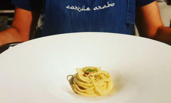 Spaghetti garlic and seafood oil