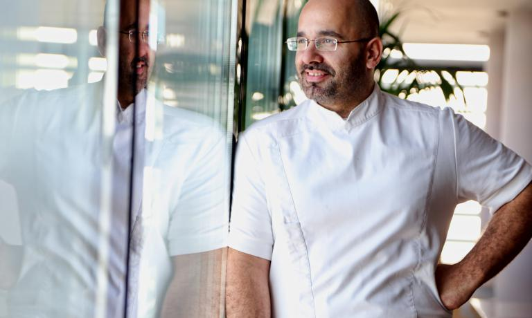 There�s more than Funky Gourmet: new creative cuisine restaurants enrich the culinary scene of the Greek capital. Above all, Hytra, of chef Anastasios Mantis (in the photo)