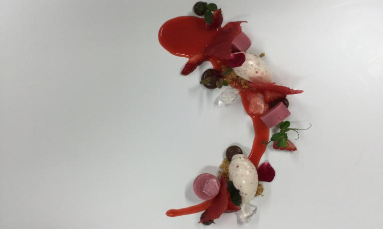 "To celebrate Valentine's Day, the young pastry chef from Antica Osteria Cera in Lughetto di Campagna Lupia (Venice) created an ice cream with a ""spicy"" note. With this dessert we complete the menu that started with Iside De Cesare an her husband Romano Gordini's recipes"
