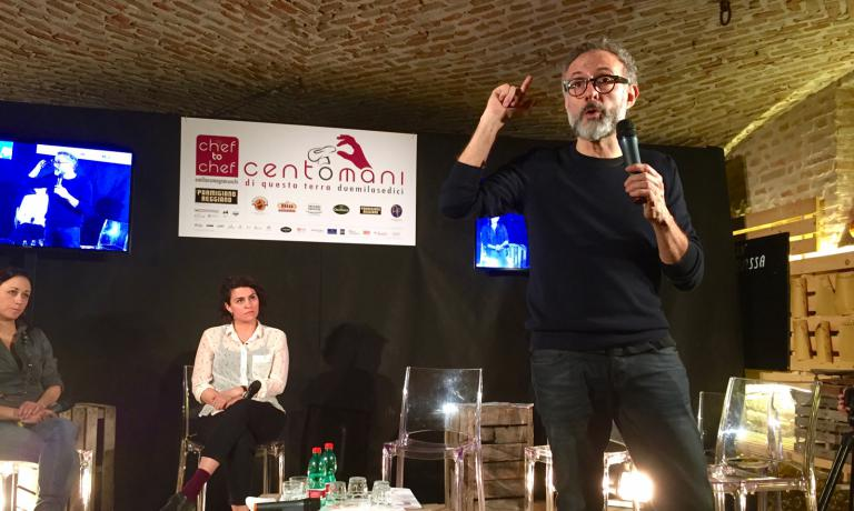 Massimo Bottura's speech at Centomani di questa terra, in Polesine Parmense. With him on stage, Caterina Fabbro, fundraiser at Antoniano Onlus, and Cristina Reni of Food for Soul
