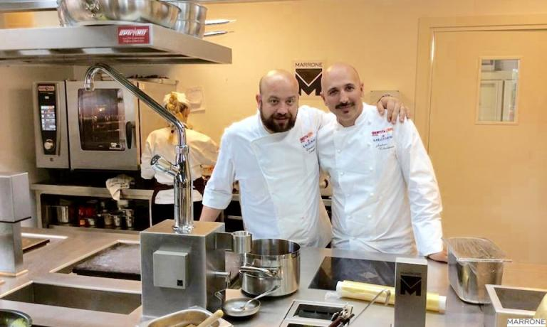 Andrea Ribaldone, chef at I Due Buoi in Alessandria (here on the right, with his sous chef Domenico Schingaro) is the protagonist on Monday and Tuesday night in the Contemporary Italian Chefs series at Identità Expo S.Pellegrino. For reservations (the price is 75 euros for four courses including wines) write to: expo@magentabureau.it. Tel: +39.02.62012701
