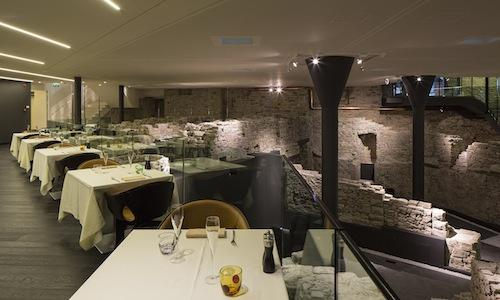 The dining room and the archaeological setting of Relais San Lorenzo Hostaria, opened last summer between the Venetian walls of Bergamo Alta, tel. +39.035.237383. The chef is Antonio Cuomo, originally from Naples