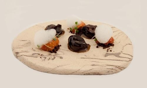 With this dish made with snails (and beer), in 2012 Christian Milone won the Premio Birra Moretti Gran Cru. This ingredient, unjustly underrated in the menus and on the tables in our country, has always been a symbol of feast in the family of this chef from Piedmont