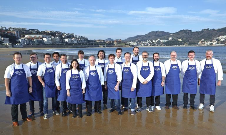 A souvenir photo with the chefs participating in the conference presenting Oceana's project. They met on the most beautiful beach in San Sebastian on the morning of 17th March. Left to right: Ashley Palmer-Watts, Jos� Luis Gonz�lez, Normand Laprise, Rodolfo Guzm�n, Joan Roca, Elena Arzak, Joachim Wissler, Ferran Adri�, Gaston Acurio, Grant Achatz, Heinz Reitbauer, Brett Graham, Daniel Humm, Massimo Bottura, Enrique Olvera, Pedro Subijana, Andoni Luiz Aduriz and Alex Atala