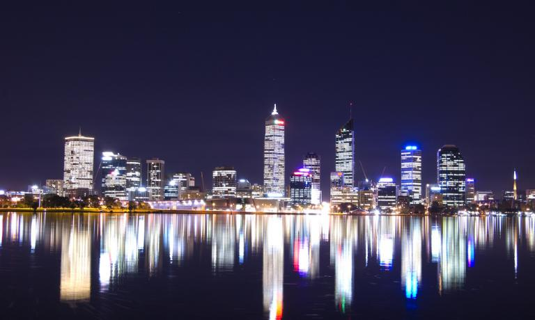 The beautiful night skyline in Perth introduces the report written by Michela Cimnaghi for Guida ai ristoranti di Identit� Golose 2014, published by Mondadori, which we republish in two episodes these days. Moving to this town in Australia has allowed her to be surprised by its vitality and by the rich and interesting gastronomic offer