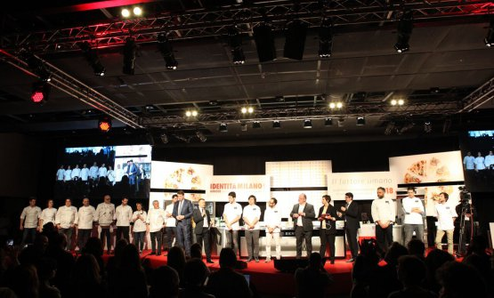 The Italian finalists on the stage