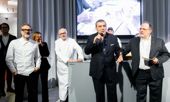 Presenting the dinner with Massimo Bottura, Alain Ducasse, Claudio Ceroni, Paolo Marchi