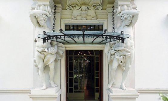 The entrance toVilla Laetitia