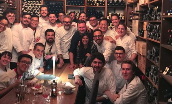 David Gelb with the staff from Osteria Francescana (photo instagram)
