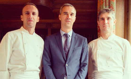 Italian cook Giuliano Sperandio, restaurant manager Cédric Servain and chef Christophe Pelé (photo from twitter/Haut-Brion)