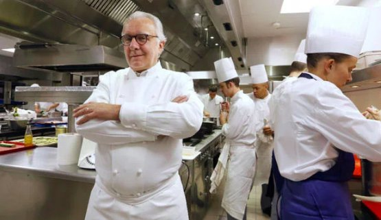 Alain Ducasse, 62, in the kitchen of his restaurant at the Plaza Athénée in Paris, 3 Michelin stars since 1997. The chef from Castel-Sarrazin will cook at Identità Golose Milano, on Tuesday 11th December together with Massimo Bottura, during a fundraising event for Food for Soul