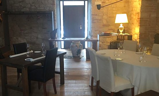 A detail of the dining room of Il Tiglio in Montemonaco, Ascoli Piceno, tel. +39.0736.856441. The restaurant, closed after the earthquake of October 30th 2016, will open again on February 14th, on Valentine's day. For patrons Enrico Mazzaroni and Pier Luigi Silvestri it's a great act of love
