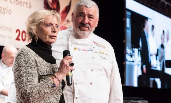 Renata Fugazziand Umberto Bombana. Identità Milano gave a prize to the 3-starred chef working in Hong Kong