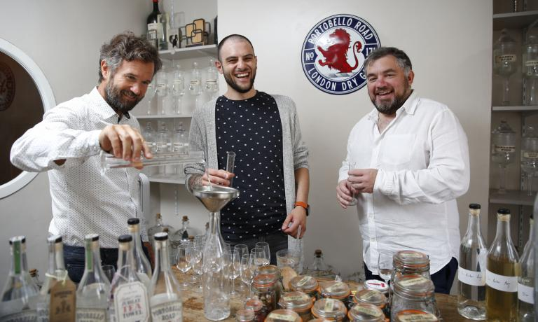 Left to right, chef Carlo Cracco, the bartender at Carlo e Camilla in Segheria Filippo Sisti, and Jake Burger, master blender at Portobello Road Gin, in a picture taken early in September. The distillery with headquarters at number 171 in the popular road in London convinced the chef from Vicenza to select a series of botanicals to produce a signature London Dry Gin, a limited edition of only 1,000 bottles. We'll taste it soon