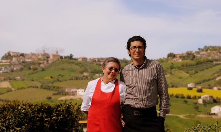 Patrizia Corradetti together with one of her children, Marcello Zenobi, who over the years became the manager of restaurant Zenobi (tel. +39.0861.70581). Patrizia's two daughters, Sandra and Cristina, are also personally involved in the management of the family business