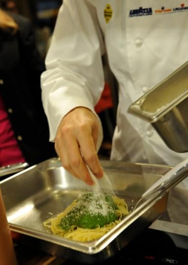 Rosanna Marziale preparing herPalla di Mozzarella
