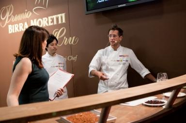 Christian Milone, vincitore del Premio Birra Moretti Grand Cru 2012, durante il cooking show
